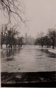 Trinity College Bridge in 1947 floods